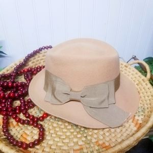 Vintage 70's Doeskin Felt Wool Fedora Ribbon Trim